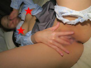膣奥の奥の奥まで御開帳している自撮りエロ写メ