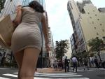「裸」よりエロい!!街を歩く女性たちのムチムチ下半身を拝める至極の作品がヌける!