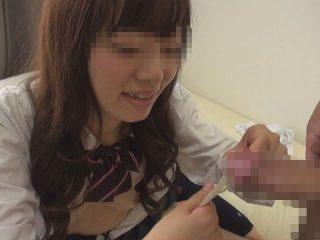欅坂にいそうなカワイイ娘にザーメンたっぷりのゴムを外してもらったよ。