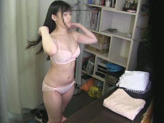都内某所の人気Cafe店員を脱衣所にて〇撮!?102
